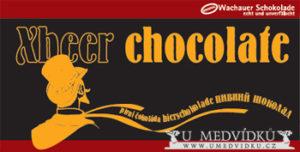 Pivní čokoláda  Ručně vyrobená čokoláda s nejsilnějším pivem na světě - XBEER-33 Složení: tmavá čokoláda /kakaová hmota, cukr, kakaové máslo, sójový lecitin, tmavé pivo /min. 20 %/, vanilka, máslo, med /obsah kakaa min. 38% /