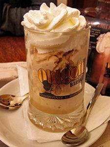 Pivní zmrzlina  - originální zmrzlina nezaměnitelné chuti vyrobená z našeho ležáku Oldgott. K dostání pouze U medvídků. Obsah alhoholu: 5,2%